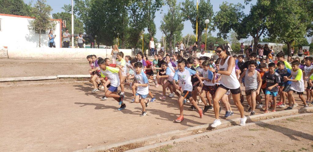 Los-más-chicos-disfrutaron-de-la-maratón-1024x498